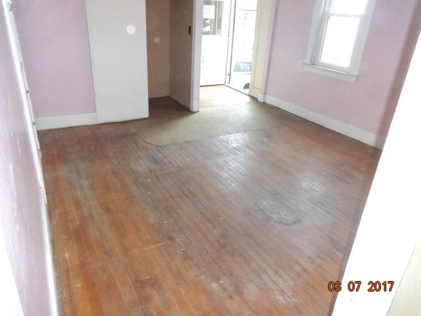hardwoof floor under carpet